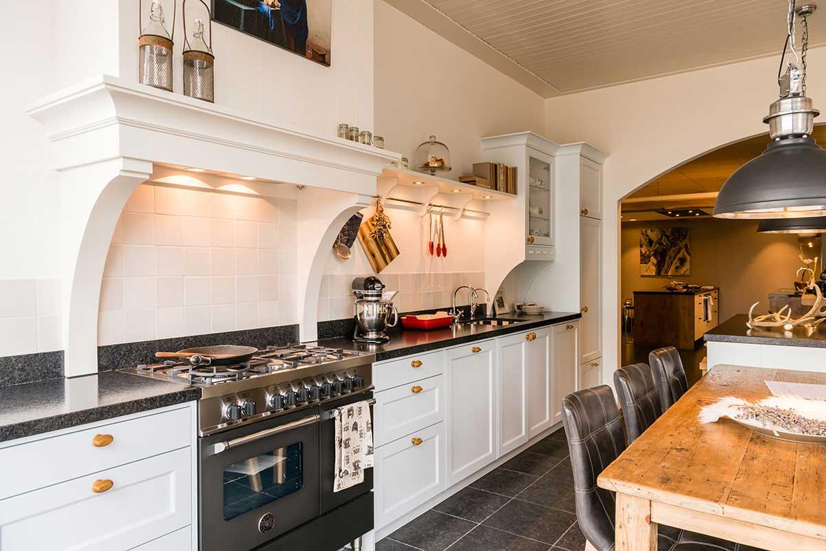 Budget Keukens Rijssen : Uitgebreide keukencollectie keukenstudio regio oost