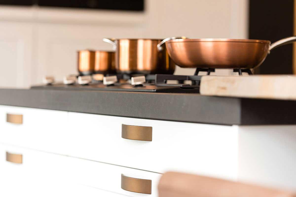 Landelijke, moderne keuken in Dutch-design - Keukenstudio Regio Oost