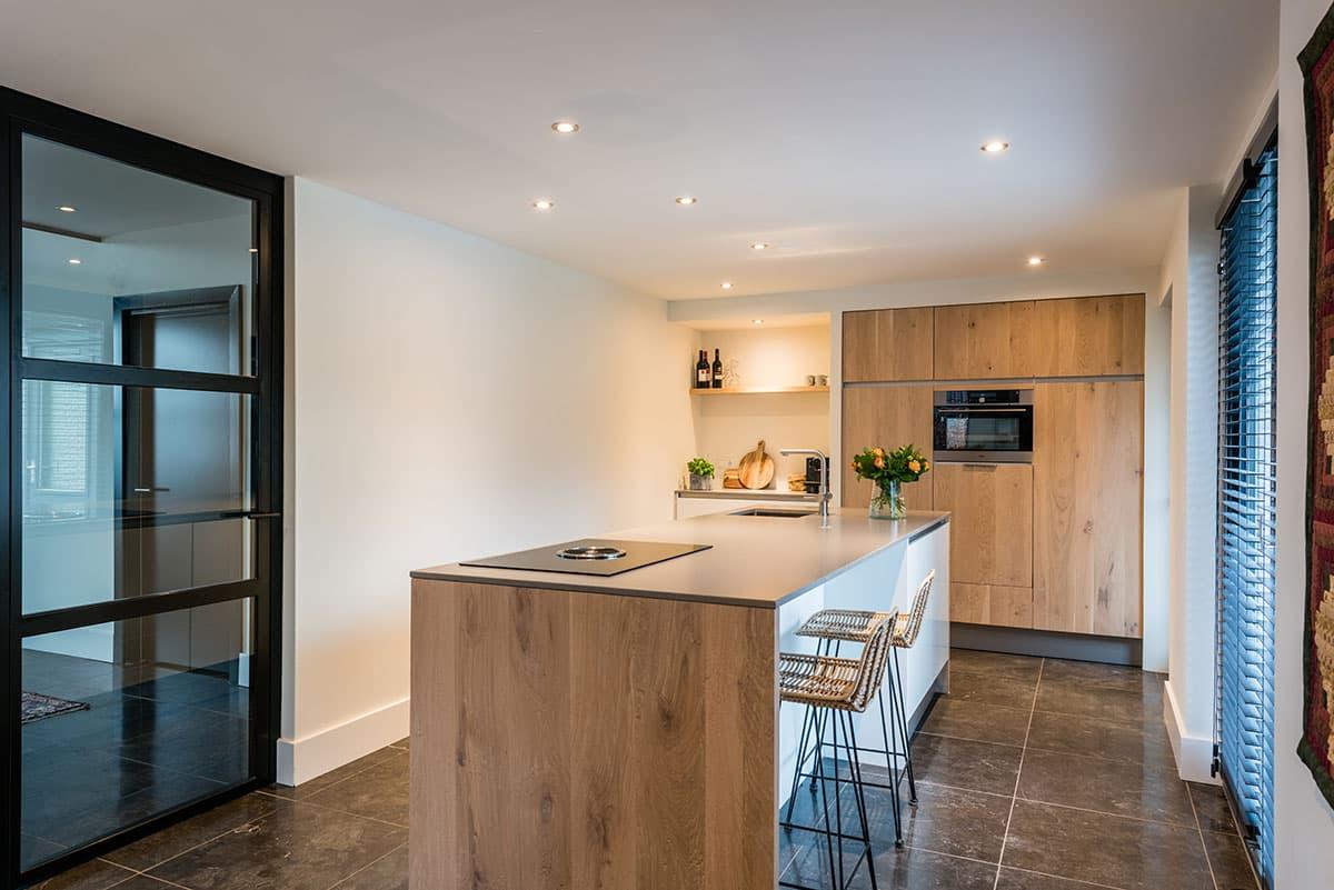 Moderne strakke keukens beste inspiratie voor huis ontwerp - Moderne keuken kleur ...