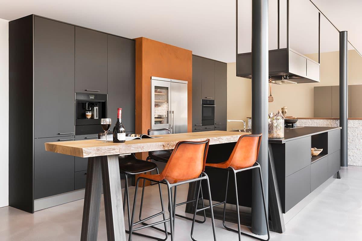 Mat Zwarte Keuken : Urban matzwarte showroomkeuken keukenstudio regio oost